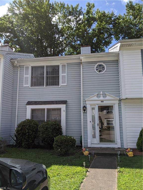 1909 Devonwood Cmn, Chesapeake, VA 23320 (#10334987) :: Rocket Real Estate