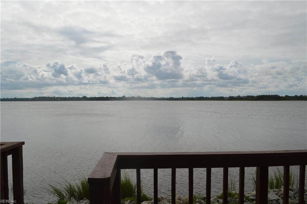 33 Waters Edge Cir - Photo 1
