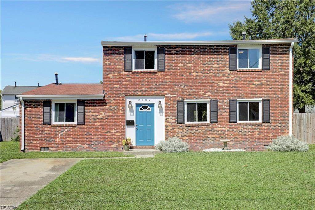 2209 Rawood Dr - Photo 1