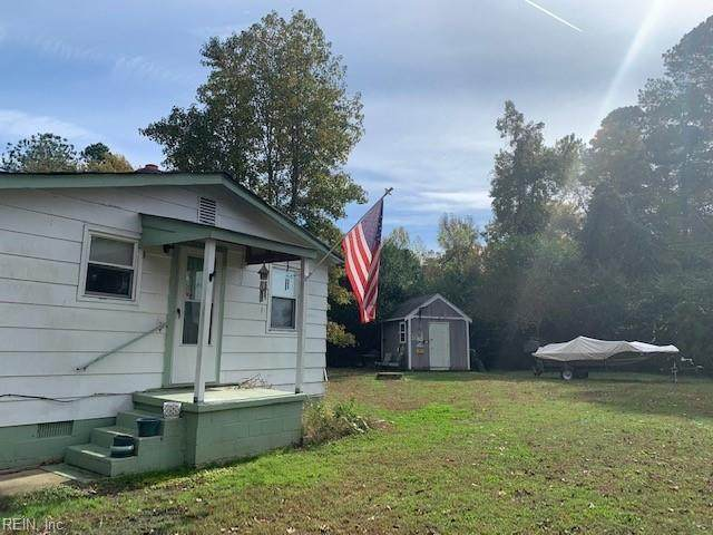 1349 Penniman Rd, York County, VA 23185 (#10349529) :: Berkshire Hathaway HomeServices Towne Realty