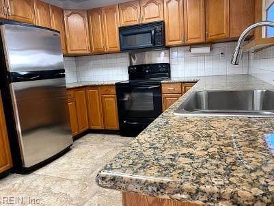 5676 Brandon Blvd, Virginia Beach, VA 23464 (#10352306) :: Berkshire Hathaway HomeServices Towne Realty