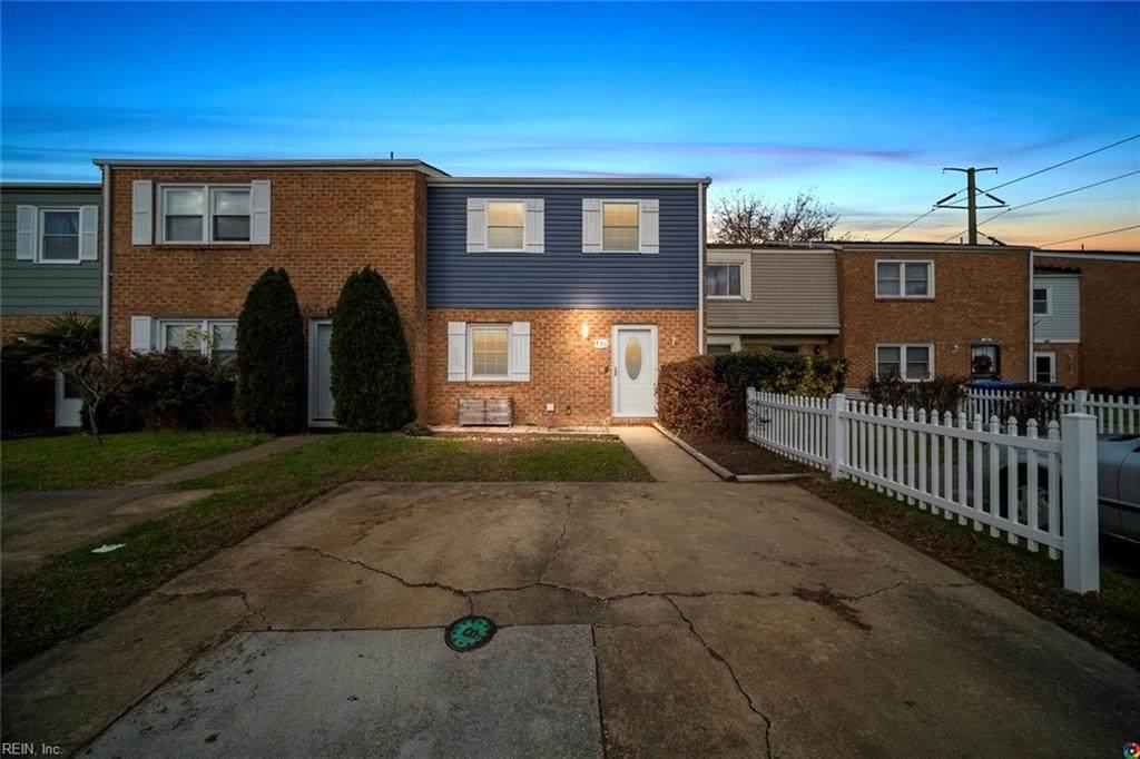 425 Burr Oak Ct - Photo 1