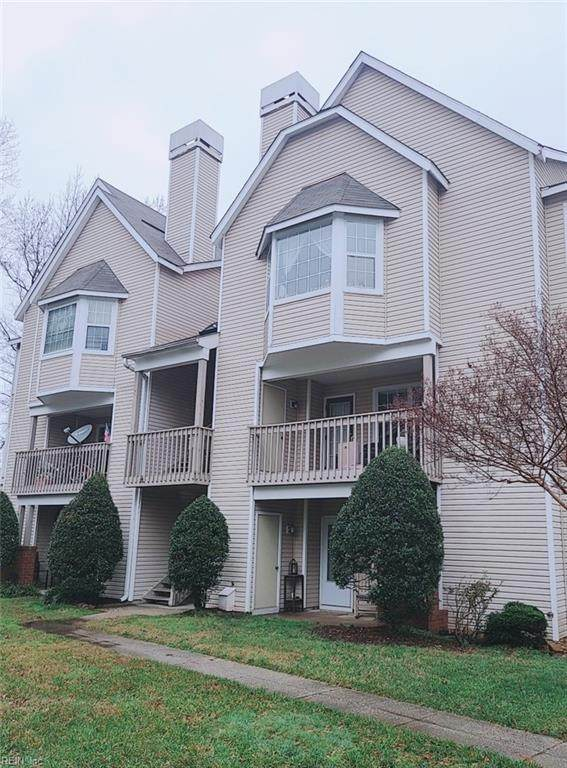 107 Stratford Dr D, York County, VA 23185 (#10356000) :: Berkshire Hathaway HomeServices Towne Realty