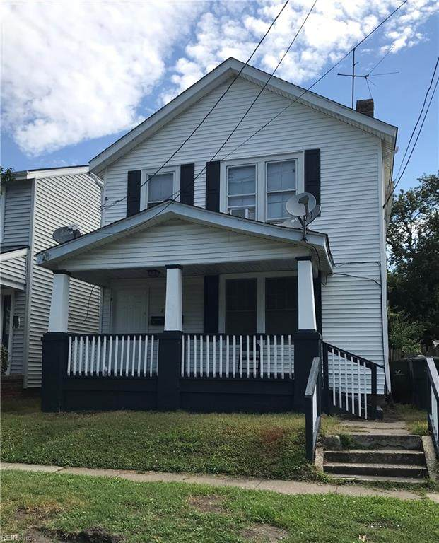 862 Rugby St - Photo 1