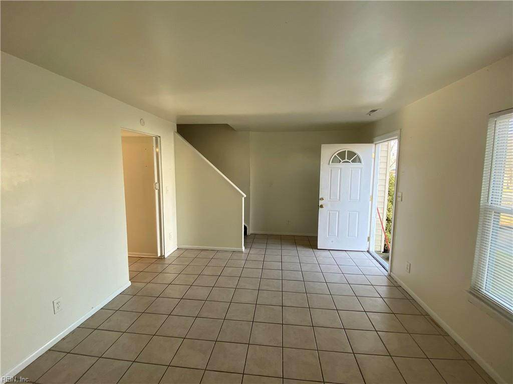 3015 Fawkes Ct - Photo 1