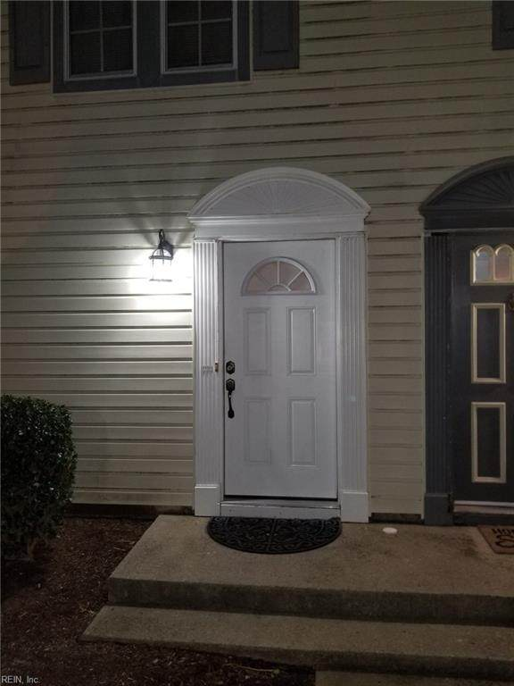 4446 Segovia Ct, Virginia Beach, VA 23462 (#10357897) :: Atkinson Realty