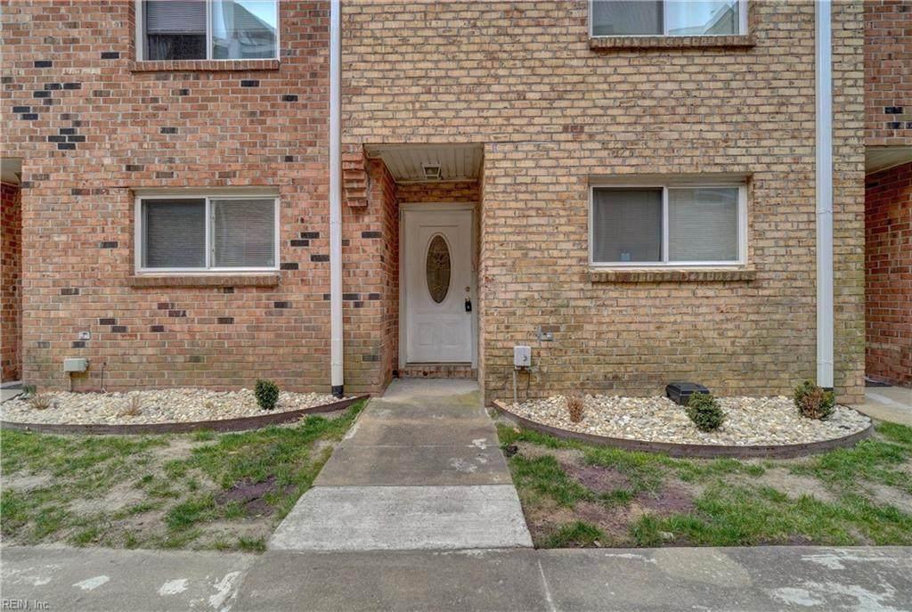 1138 Hillside Ave - Photo 1