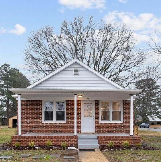 1237 Fentress Rd, Chesapeake, VA 23322 (#10359991) :: Tom Milan Team