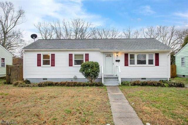 13 Ambrose Ln, Hampton, VA 23663 (#10362741) :: Tom Milan Team