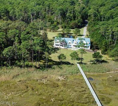 301 York Point Rd, York County, VA 23690 (#10363235) :: Berkshire Hathaway HomeServices Towne Realty