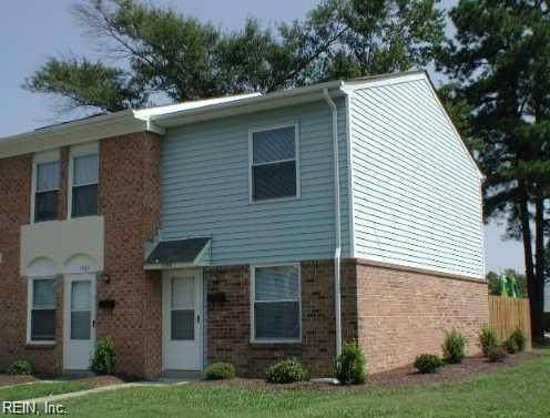1586 Darren Cir, Portsmouth, VA 23701 (#10364373) :: Verian Realty