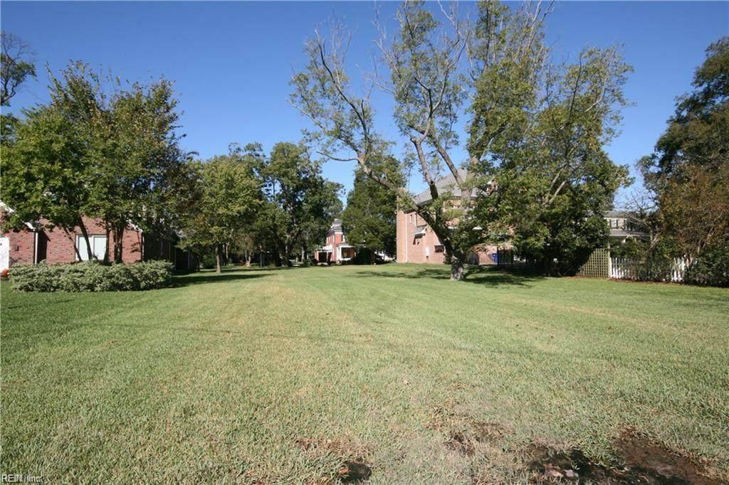 933 Hanover Ave - Photo 1