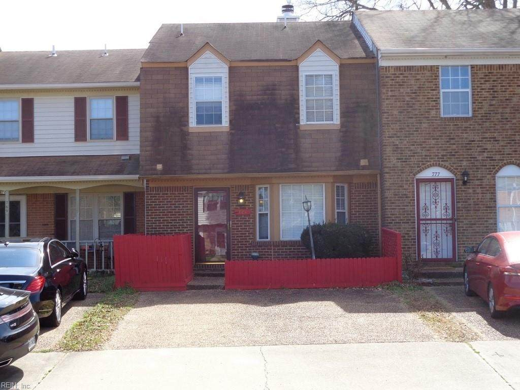 773 Westminster Ln - Photo 1