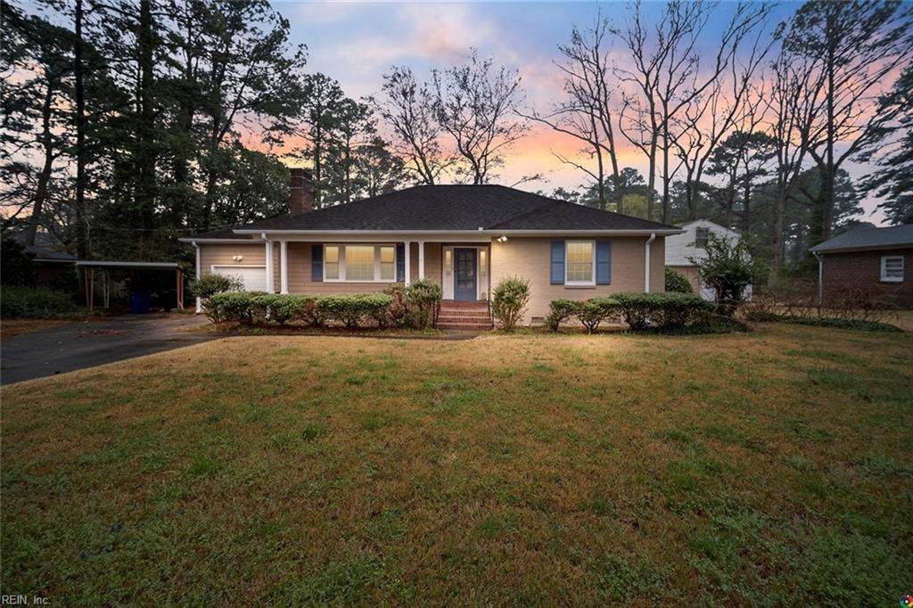 2109 Sterling Point Dr - Photo 1