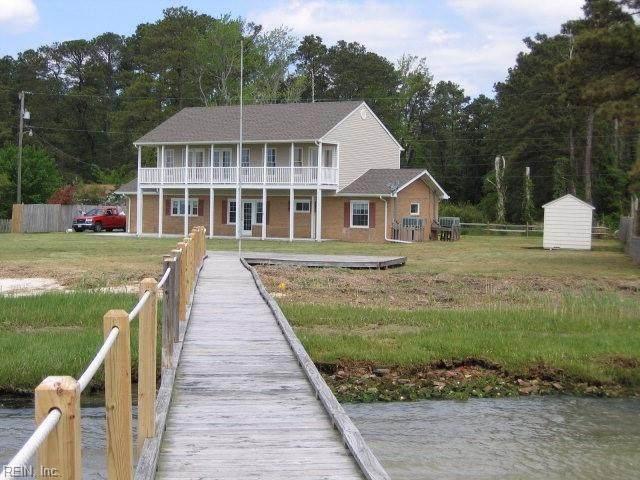 135 Dutchmans Rd, Mathews County, VA 23138 (#10367534) :: Berkshire Hathaway HomeServices Towne Realty