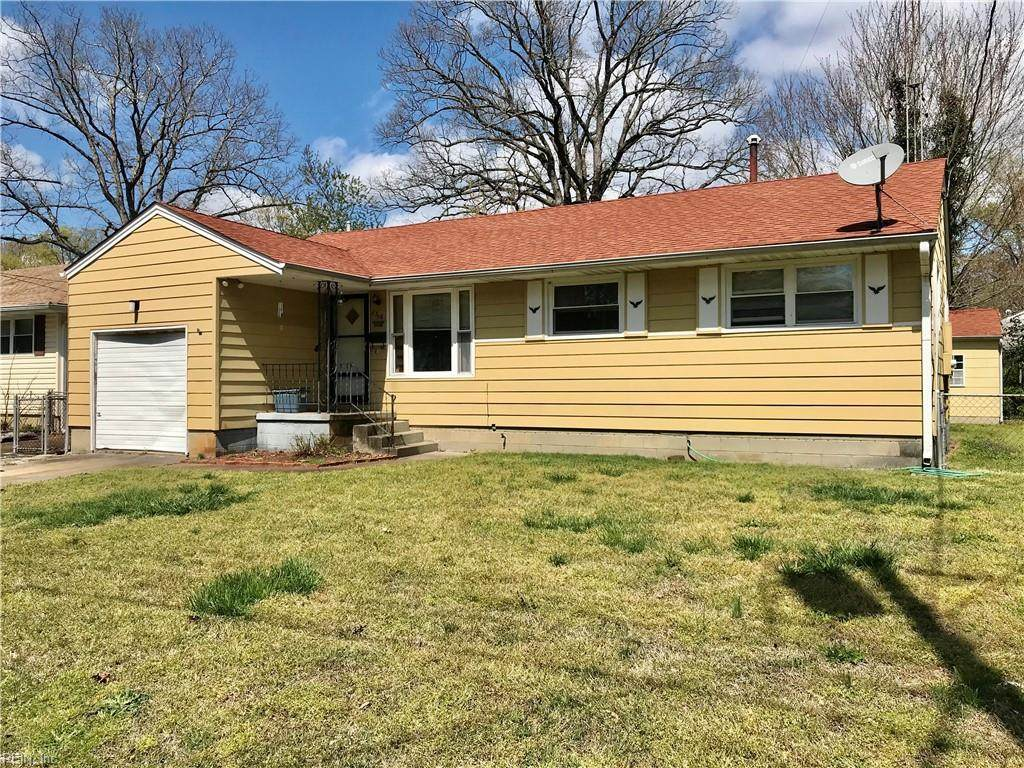 1316 Pineview Ave - Photo 1