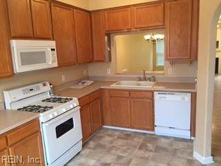 2335 Charing Cross Rd - Photo 1