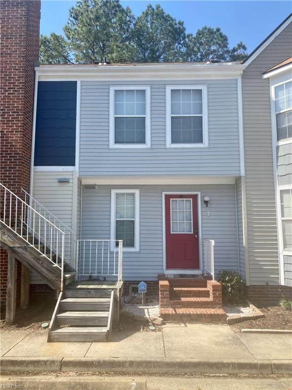 431 Lester Rd #7, Newport News, VA 23601 (MLS #10370697) :: AtCoastal Realty
