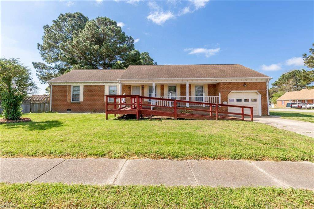 1042 Weeping Willow Dr - Photo 1