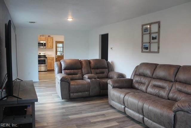 2272 Manning Rd, Suffolk, VA 23434 (MLS #10371252) :: AtCoastal Realty
