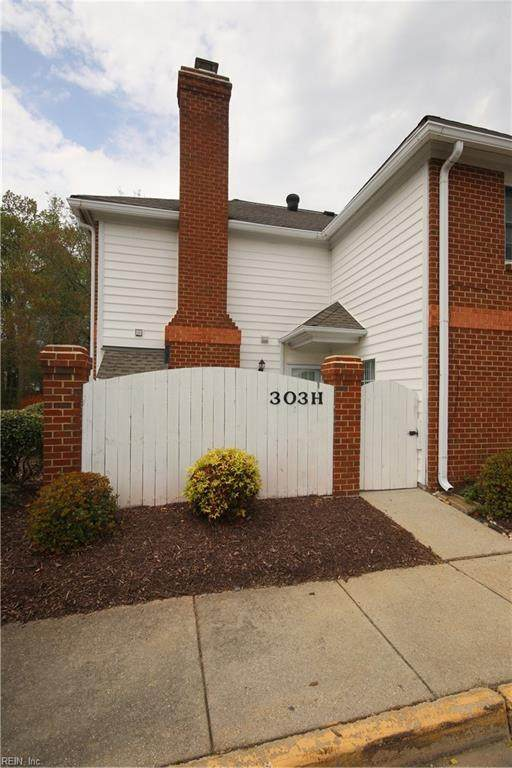 303 Amersham Dr H, York County, VA 23693 (#10372556) :: Berkshire Hathaway HomeServices Towne Realty