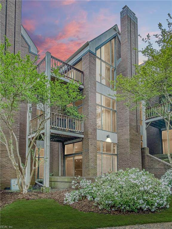 696 Mowbray Arch #410, Norfolk, VA 23507 (#10373071) :: RE/MAX Central Realty