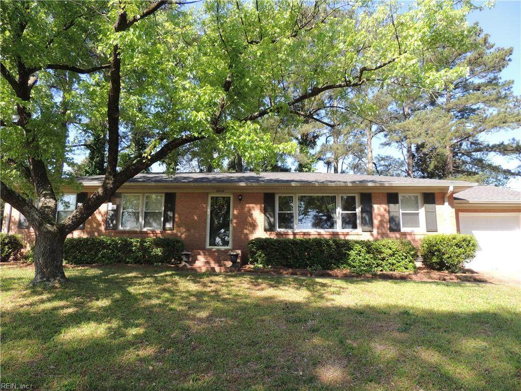 2929 Point Dr - Photo 1