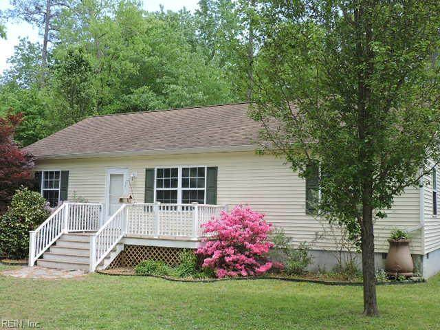 7593 Walnut Rd, Gloucester County, VA 23061 (#10375096) :: Kristie Weaver, REALTOR