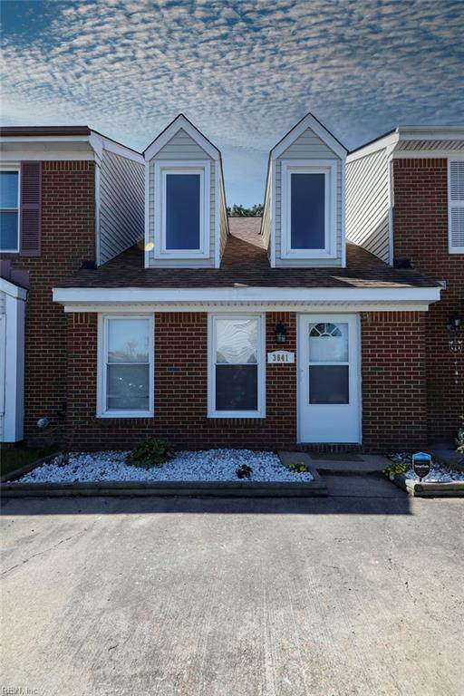 3841 Buchanan Dr, Virginia Beach, VA 23453 (#10375985) :: Berkshire Hathaway HomeServices Towne Realty