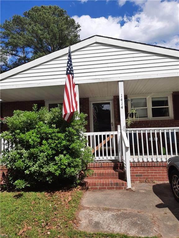 1414 Lilac Ave, Chesapeake, VA 23325 (#10376540) :: Encompass Real Estate Solutions