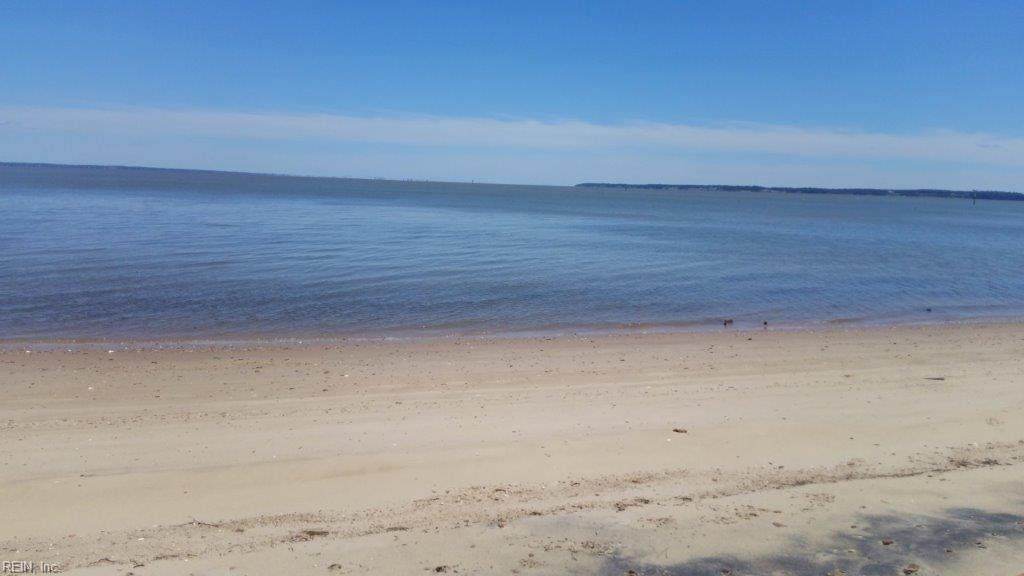 15015 Tylers Beach Rd - Photo 1