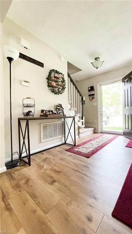430 Peachwood Ct, Newport News, VA 23608 (#10377225) :: Encompass Real Estate Solutions