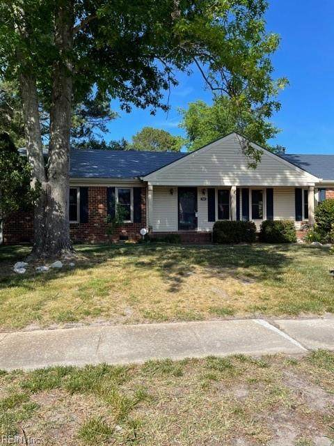 741 Willow Oak Dr, Chesapeake, VA 23322 (#10377993) :: Tom Milan Team