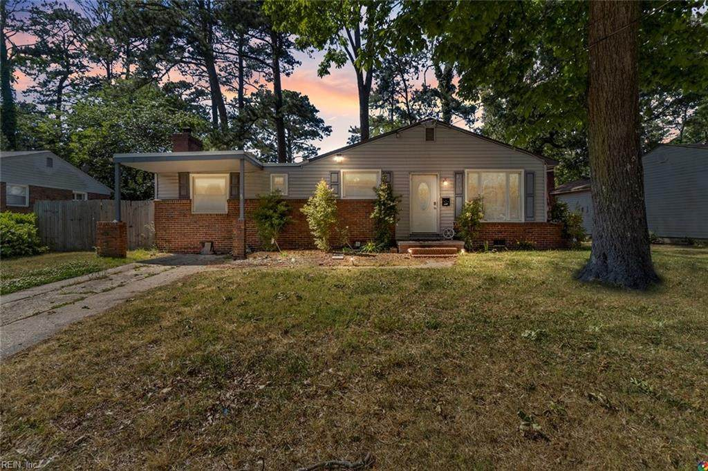 8313 Capeview Ave - Photo 1