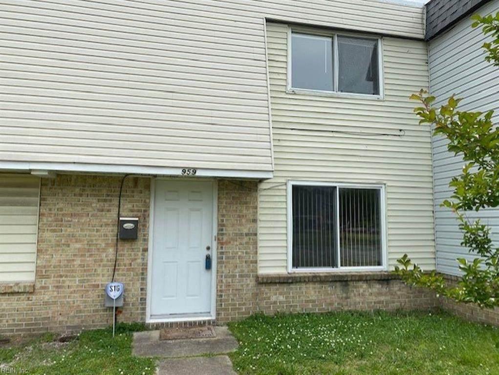 959 Club House Rd - Photo 1