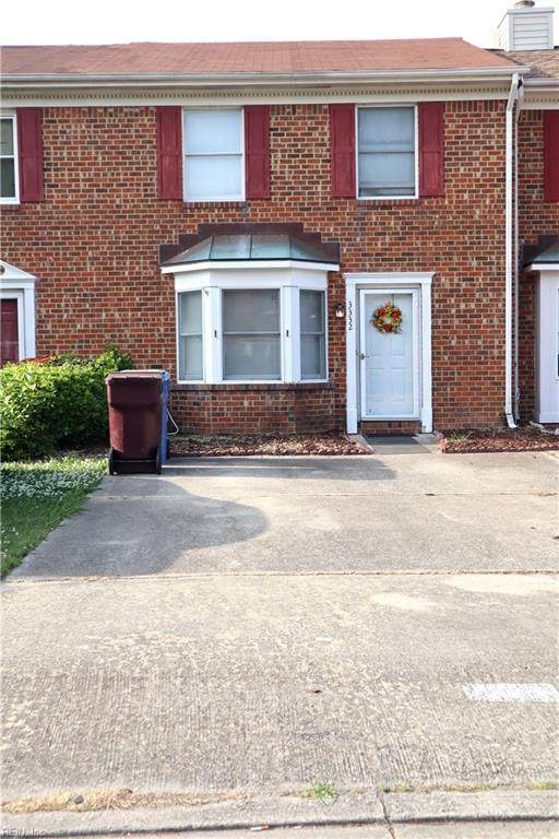 3332 Golden Oaks Ln, Chesapeake, VA 23321 (#10379227) :: Berkshire Hathaway HomeServices Towne Realty