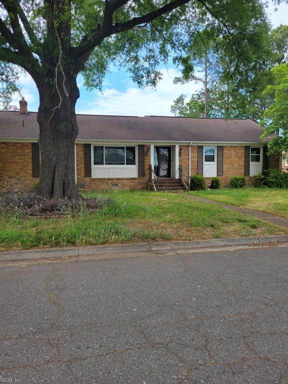 444 Clemson Ave, Chesapeake, VA 23324 (MLS #10379292) :: AtCoastal Realty