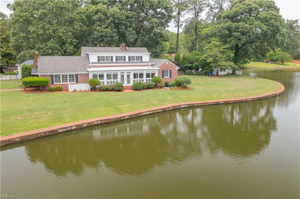 2513 Sterling Point Dr - Photo 1