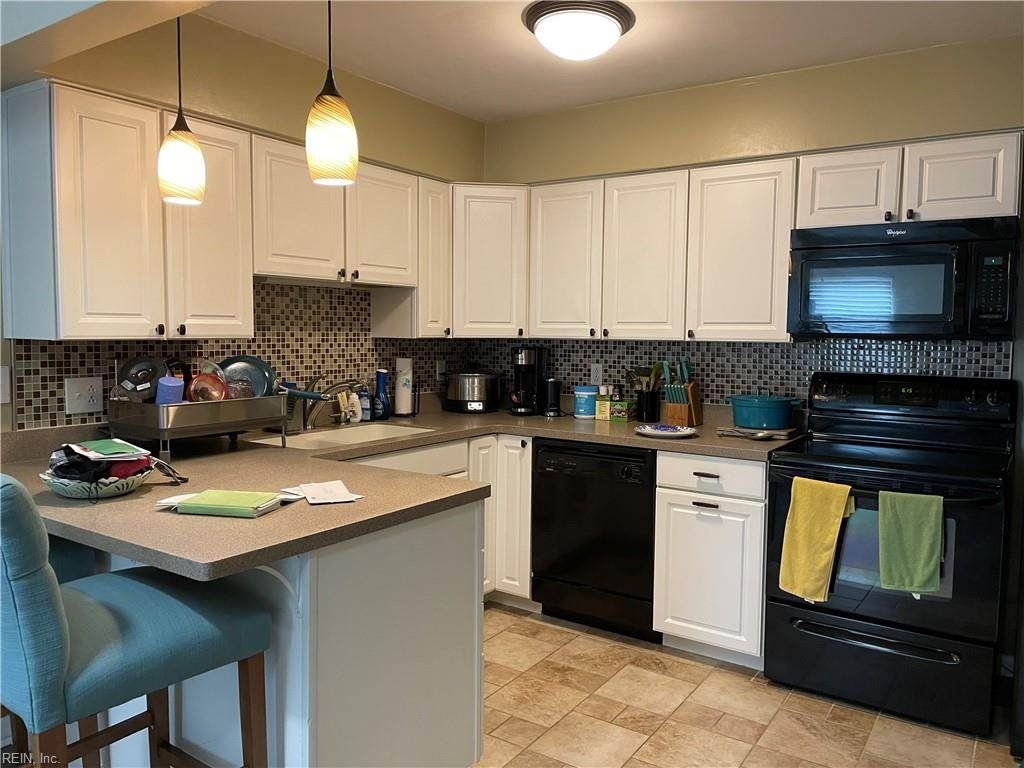 2108 Point Hollow Ct - Photo 1