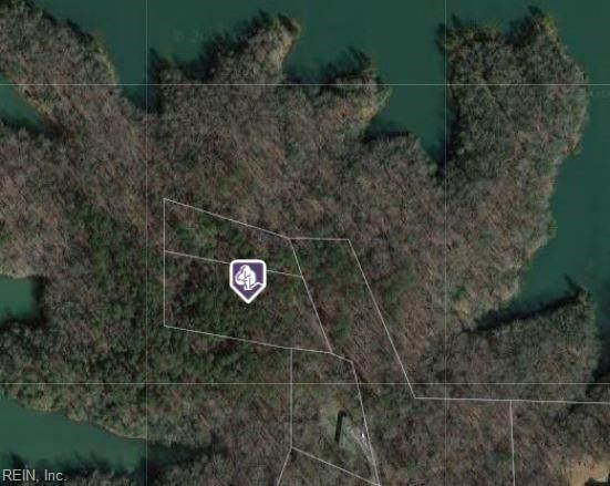 2822 Chickahominy Rd, James City County, VA 23168 (#10383813) :: Berkshire Hathaway HomeServices Towne Realty