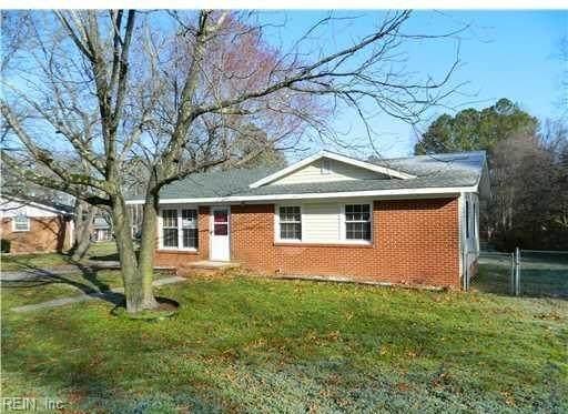 208 Arthur Ct, Sussex County, VA 23890 (#10388451) :: Crescas Real Estate
