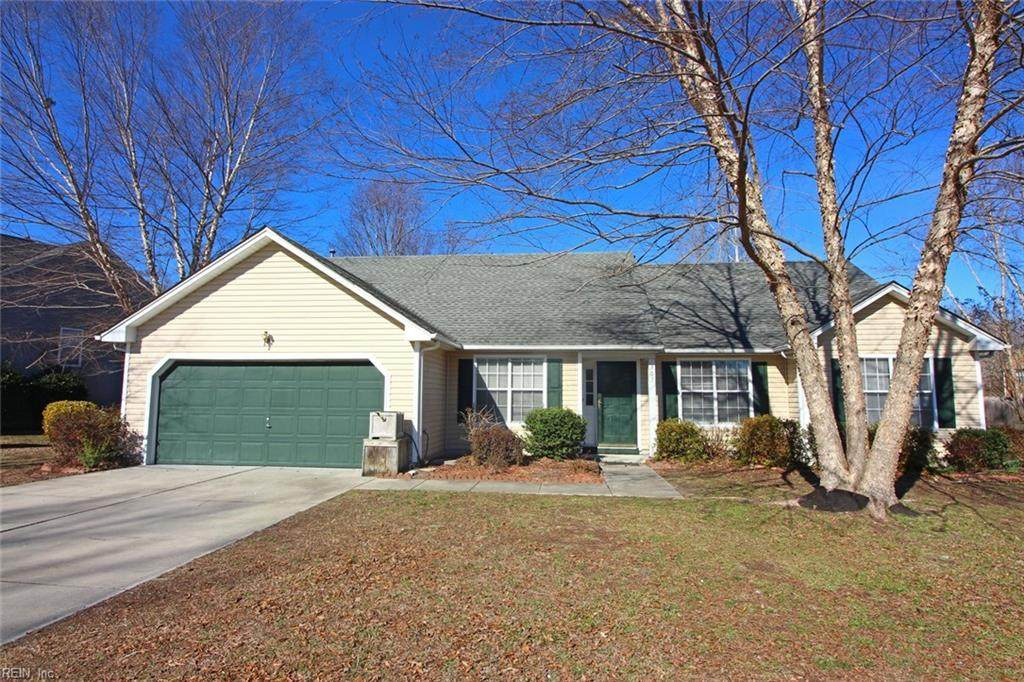 302 Carriage Ct - Photo 1