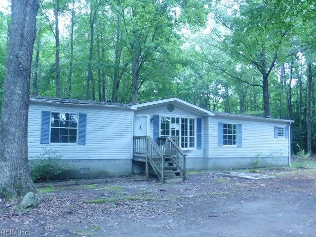6581 Richneck Rd, Gloucester County, VA 23072 (#10390750) :: Rocket Real Estate