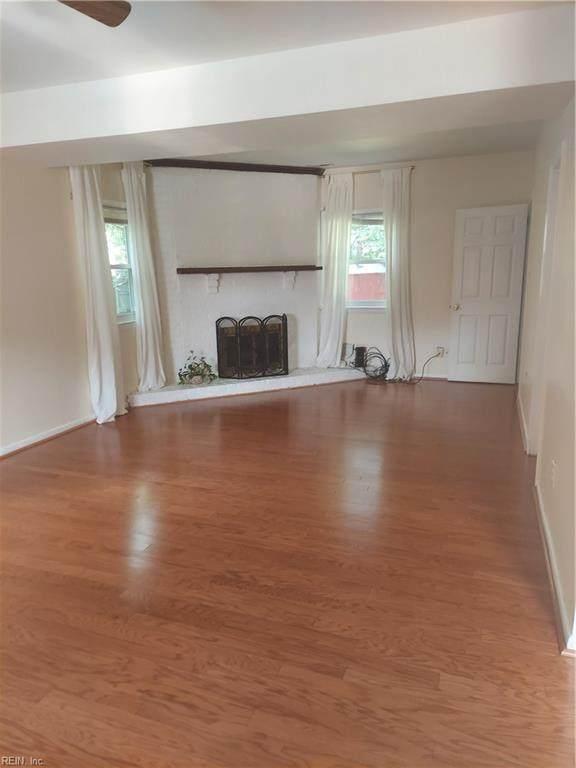 13201 Aqueduct Dr, Newport News, VA 23602 (#10391721) :: The Kris Weaver Real Estate Team