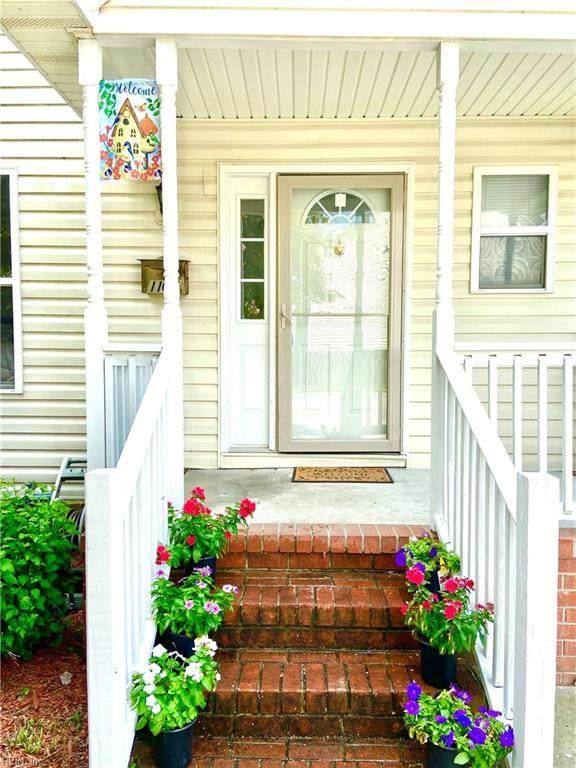1105 Leake St, Norfolk, VA 23523 (#10393035) :: Berkshire Hathaway HomeServices Towne Realty