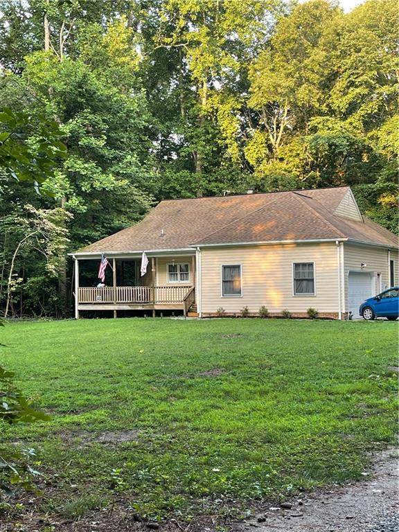 700 Chick Cove Dr, Middlesex County, VA 23070 (MLS #10393381) :: Howard Hanna Real Estate Services