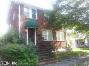 944 Harrington Ave - Photo 1
