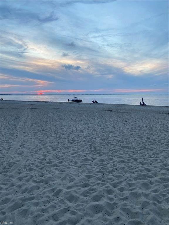 2314 Beach Castle Ln #103, Virginia Beach, VA 23451 (#10396687) :: The Kris Weaver Real Estate Team