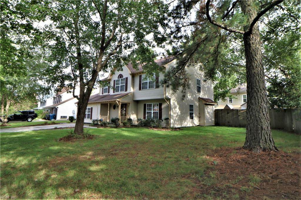 1853 Chestwood Dr - Photo 1