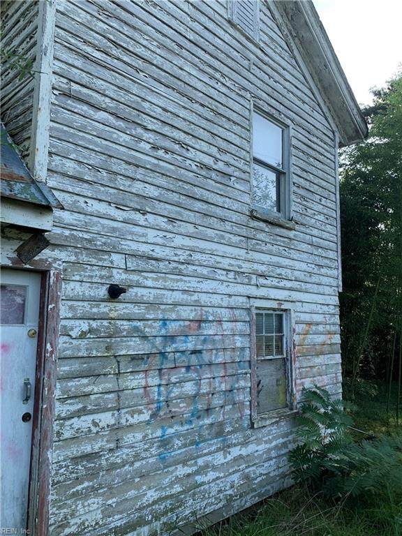 6972 Crewe Rd, Gloucester County, VA 23072 (#10397946) :: Atkinson Realty